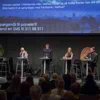 Med præst Johnny Hansen fra Citykirken som ordstyrer (i midten) debatterede politikere fra SF, DF, K og Ø kommunalpolitik i Citykirken Aarhus